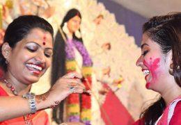 [বাংলা w/ English subtitles] Why do Hindus wear bindis and tilaks on their forehead?